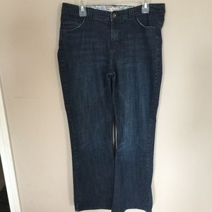 Lee Midrise Bootcut Jeans Size 16